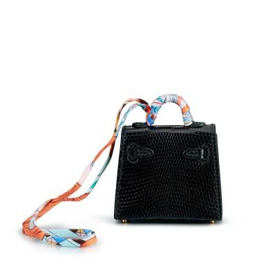View 4. Thumbnail of Lot 8312. Noir Lizard Mini Kelly Twilly Bag Charm, 2015 | 愛馬仕黑色蜥蜴皮迷你 Kelly Twilly 凱莉包造型掛飾,2015年.