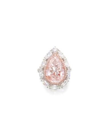 View 2. Thumbnail of Lot 1618. LIGHT PINK DIAMOND AND DIAMOND RING | 7.33卡拉 淡粉紅色鑽石 配 鑽石 戒指.
