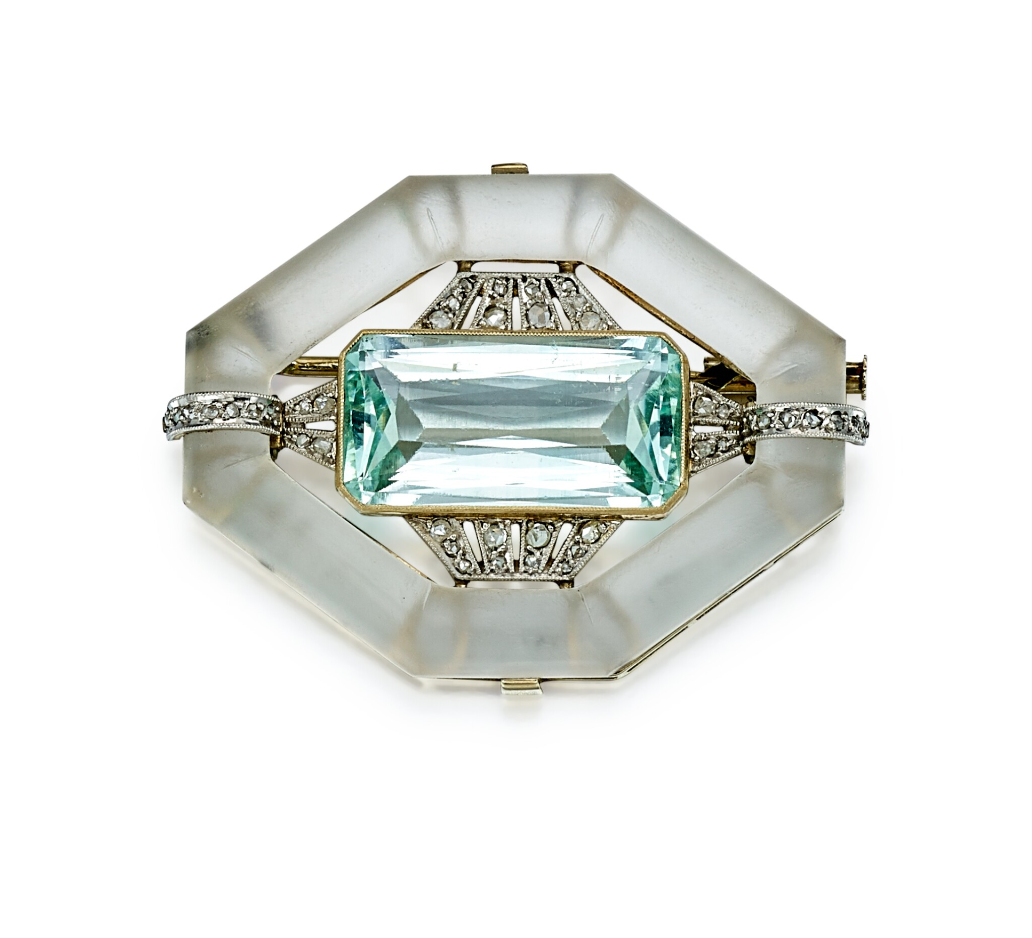 View full screen - View 1 of Lot 9178. AQUAMARINE, ROCK CRYSTAL AND DIAMOND BROOCH | 海藍寶 配 白水晶 及 鑽石 別針.