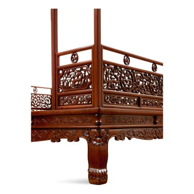View 6. Thumbnail of Lot 53. AN EXCEPTIONAL AND RARE HUANGHUALI SIX-POST CANOPY BED MING DYNASTY, 17TH CENTURY | 明十七世紀 黃花梨六柱透雕螭龍瑞獸紋圍子架子床.