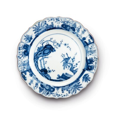 A MEISSEN BLUE AND WHITE PLATE CIRCA 1740-45