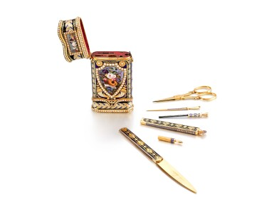 View 2. Thumbnail of Lot 2230. An exceptional and large gold, enamel and pearl-set etui de voyage with watch, music and automaton, including a pair of gold mounted scissors, a gold and enamel knife, a gold and enamel perfume vial, a gold and enamel key, a gold and enamel cuticle stick, a gold and enamel awl and associated fitted presentation box, Made for the Chinese market and retailed by P. Orr, Circa 1800 | 瑞士製 | 知名藏家的永恆典範 | 非常精美及特大金及琺瑯鑲珍珠工具盒,具有時計、音樂及活動人偶,內含鑲金剪刀、金琺瑯小刀、香水瓶、鑰匙、指甲修護棒與錐子,備收納盒,為中國市場而製及由 P. Orr 發行,約1800年製.