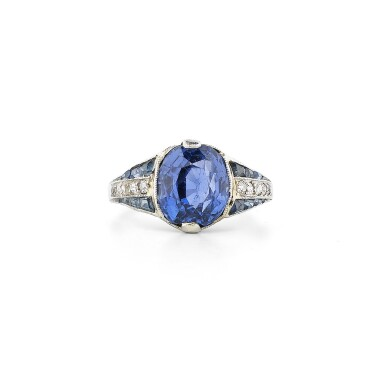 View 2. Thumbnail of Lot 27. Bague saphirs et diamants | Sapphire and diamond ring.