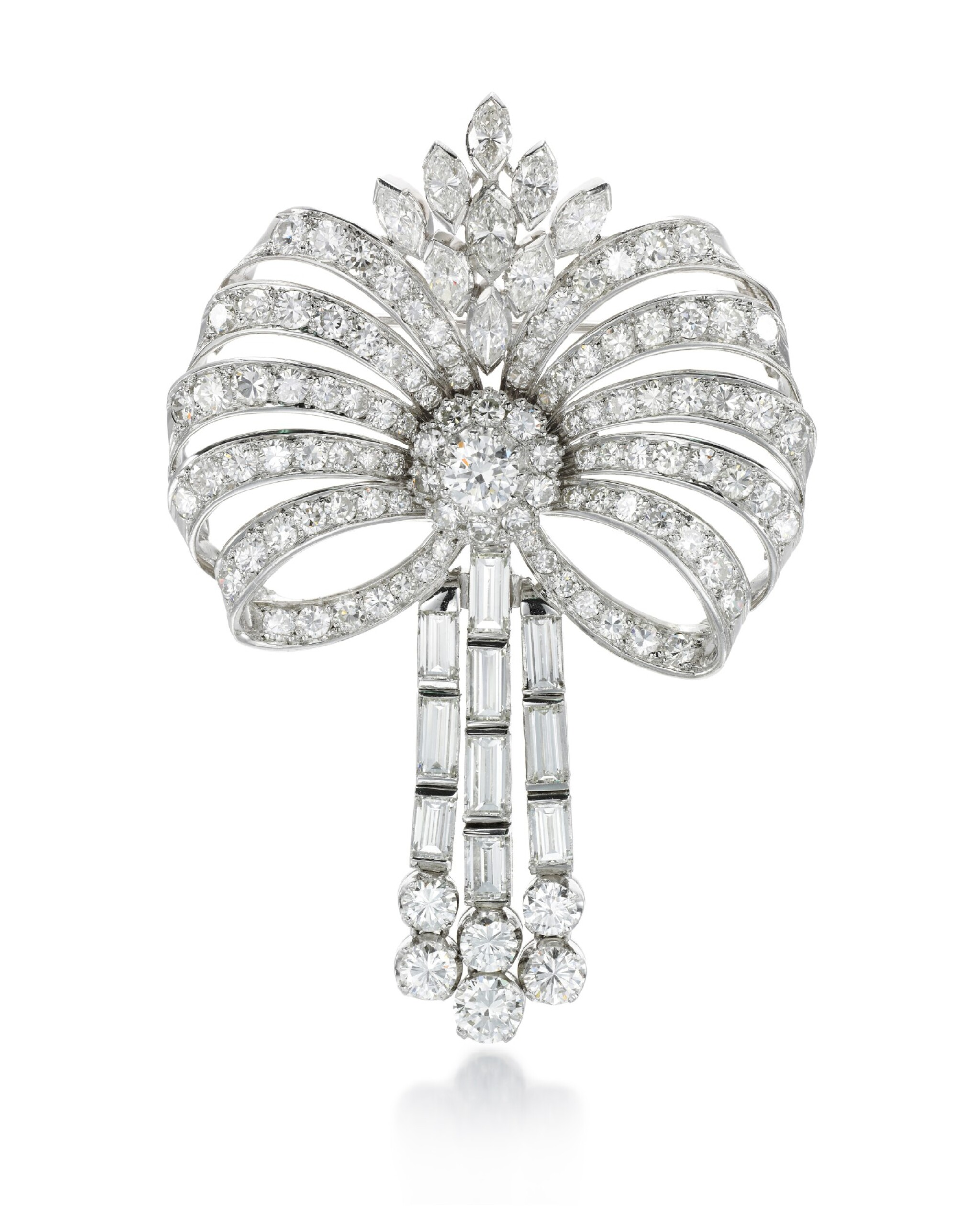 View full screen - View 1 of Lot 84. DIAMOND BROOCH.