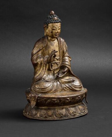 View 3. Thumbnail of Lot 51. Grande Statue de Bouddha en bronze laqué doré Probablement fin de la dynastie Ming, XVIE-XVIIE siècle | 或為明十六至十七世紀 漆金佛坐像 | A large lacquer-gilt bronze figure of Buddha, probably Ming Dynasty, 16th-17th century.