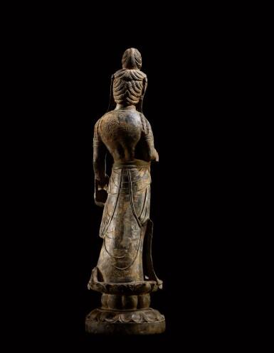View 3. Thumbnail of Lot 20. An important and magnificent pair of grey limestone figures of Bodhisattvas, Mahasthamaprapta and Avalokiteshvara,  Early Tang dynasty, era of Empress Wu Zetian | 唐初高宗至武周時期 石灰岩雕大勢至與觀世音菩薩立像一對.