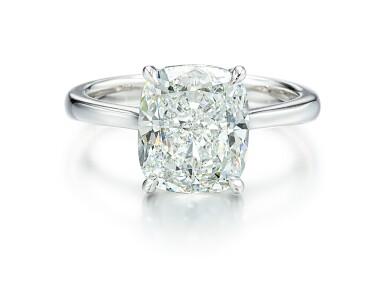 View 1. Thumbnail of Lot 9126. DIAMOND RING   5.01卡拉 古墊形 E色 VVS2淨度 鑚石 戒指.