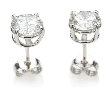 PAIR OF DIAMOND EARRINGS