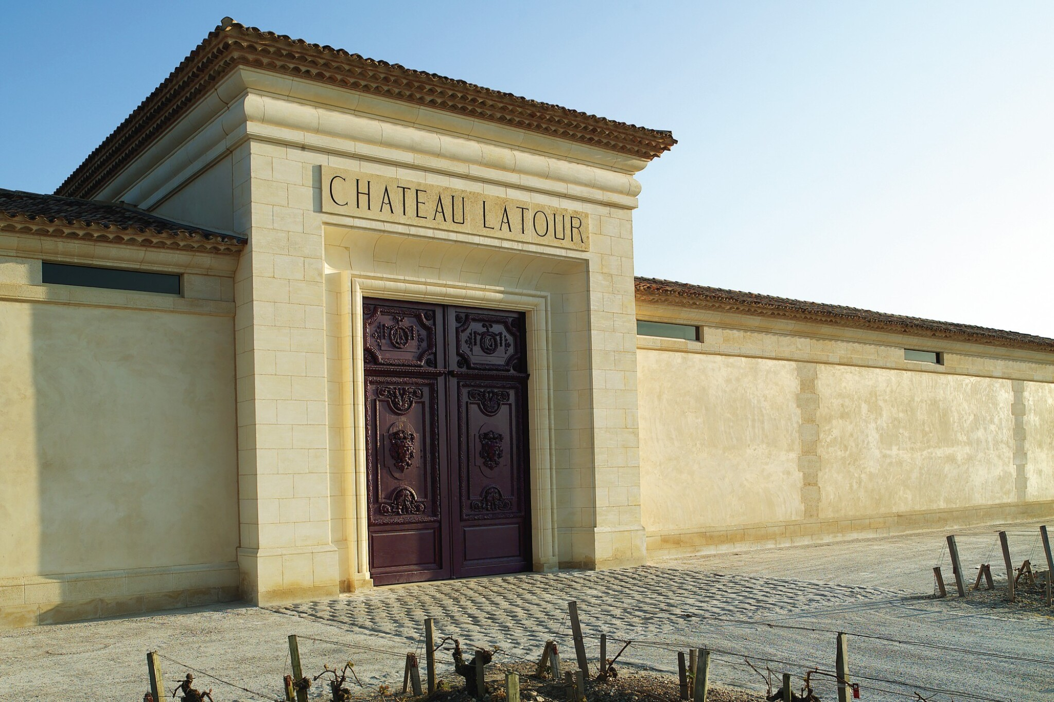 LATOUR, BEHIND THE SCENES: 1 X 5 LITRE LATOUR 2006 WITH TASTING AT THE CHÂTEAU