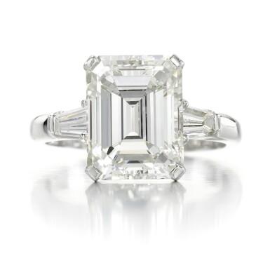 View 1. Thumbnail of Lot 158. Diamond ring.