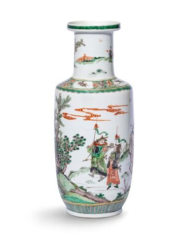 View 3. Thumbnail of Lot 223. Vase rouleau en porcelaine de la Famille Verte Dynastie Qing, époque Kangxi | 清康熙 五彩人物故事紋捧槌瓶 | A famille-verte 'Tribute Bearers' rouleau vase, Qing Dynasty, Kangxi period.