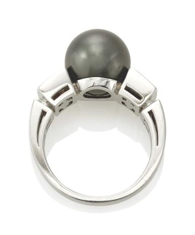 CULTURED PEARL AND DIAMOND RING (ANELLO CON PERLA COLTIVATA E DIAMANTI) , BULGARI