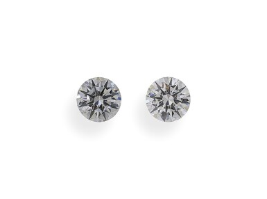 A Pair of  0.51 and 0.50 Carat Round Diamonds, D Color, SI1 and SI2 Clarity