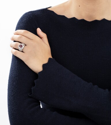 Rhodolite garnetand diamond ring [Baguegrenatrhodolite et diamants]