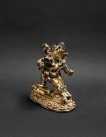 Figure de Vajrahumkara en alliage de cuivre Tibet, XIVE siècle | 西藏 十四世紀 鎏金銅合金大威紅勝金剛立像 | A gilt-copper alloy figure of Vajrahumkara, Tibet, 14th century