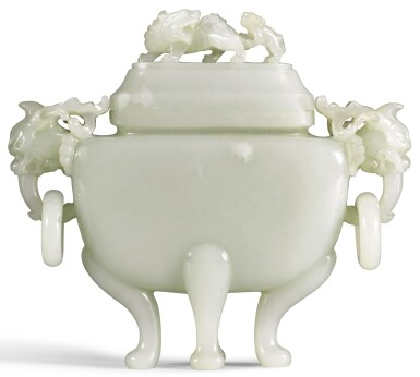 A WHITE JADE CENSER AND COVER LATE QING/REPUBLICAN PERIOD | 晚清/民國 白玉獅鈕活環耳四足蓋爐