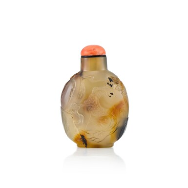 View 2. Thumbnail of Lot 3020. An Inscribed Agate 'Figure, Buddhist Lion and Brocade Ball' Snuff Bottle Suzhou, Qing Dynasty, 18th Century | 清十八世紀 蘇作瑪瑙巧雕胡人戲獅鼻煙壺.