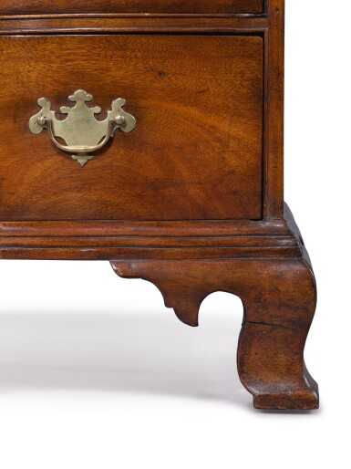 View 7. Thumbnail of Lot 1110. THE PUTNAM FAMILY VERY FINE CHIPPENDALE FIGURED MAHOGANY REVERSE-SERPENTINE CHEST OF DRAWERS, BOSTON, MASSACHUSETTS, CIRCA 1785.