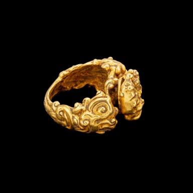View 2. Thumbnail of Lot 1045. A gold 'Lakshmi and elephants' ring Khmer, Angkor period, 9th - 10th century   九至十世紀 高棉吳哥王朝 拉克什米及寶象紋金戒指.