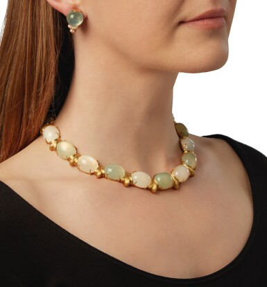 GOLD AND MOONSTONE NECKLACE AND PAIR OF MOONSTONE AND DIAMOND EARCLIPS, HENRY DUNAY