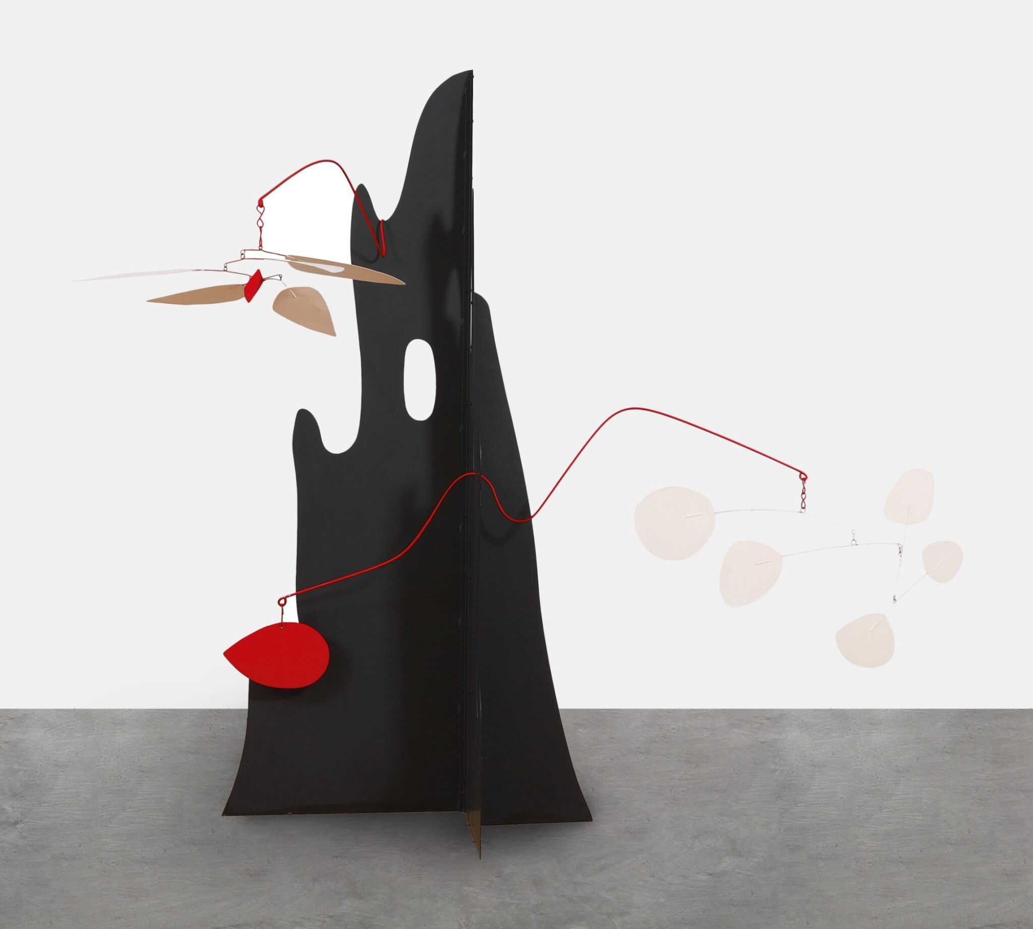 View full screen - View 1 of Lot 1137. Alexander Calder 亞歷山大·考爾德 | Crag with White Flower and White Discs  峭壁上的白花與白金屬片.