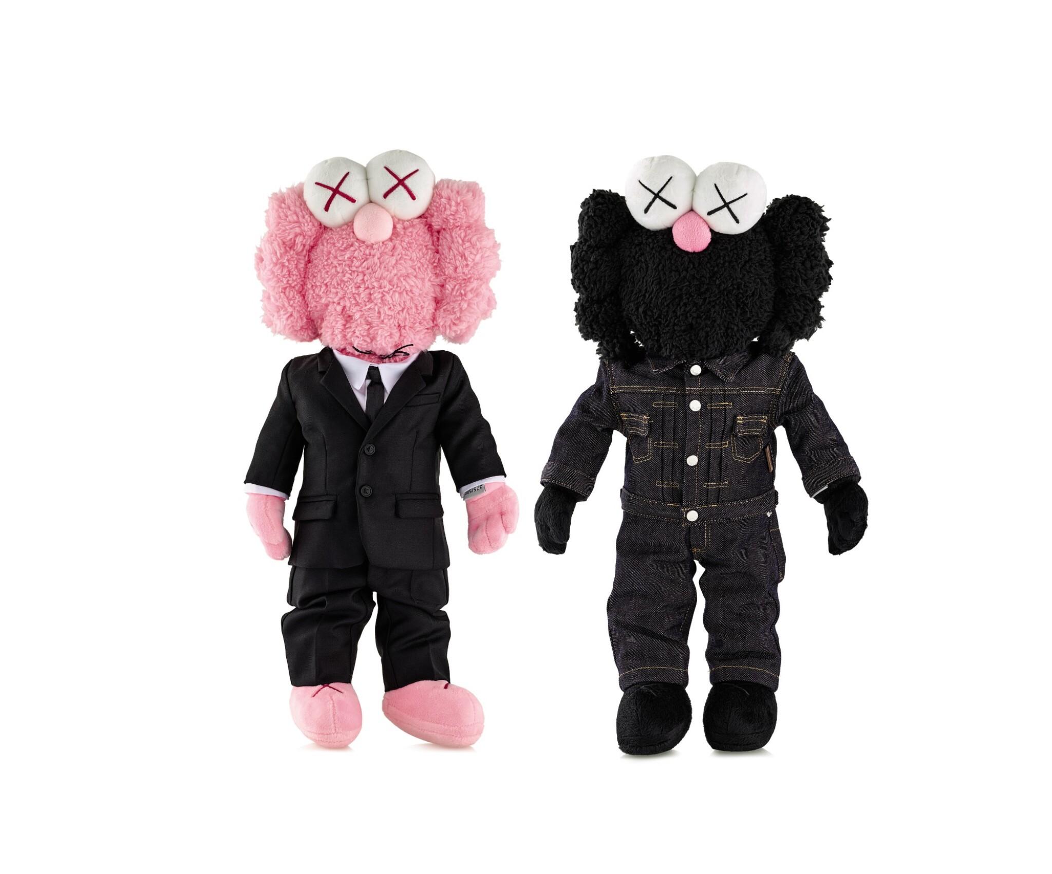 View full screen - View 1 of Lot 9020. KAWS | DIOR X KAWS BFF粉紅色與黑色絨毛玩具(兩件)DIOR X KAWS BFF Pink and Black Plush Dolls (two works).
