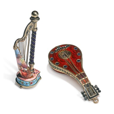 AN ENAMELED AND GEM-SET GOLD MANDOLIN WATCH AND A SILVER-GILT HARP VINAIGRETTE, PROBABLY AUSTRIAN, LATE 19TH CENTURY