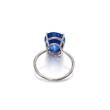 View 3. Thumbnail of Lot 1145. Sapphire ring.