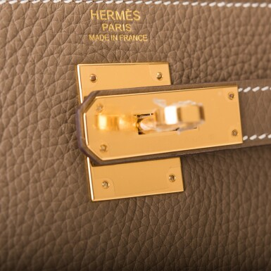 View 6. Thumbnail of Lot 70. HERMÈS | ETOUPE RETOURNE KELLY 32CM OF TAURILLON CLEMENCE LEATHER WITH GOLD HARDWARE.