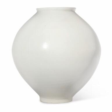 View 4. Thumbnail of Lot 129. A luminous white moon jar, Korea, Joseon dynasty, 18th century | 朝鮮王朝 十八世紀 白釉滿月花罐.
