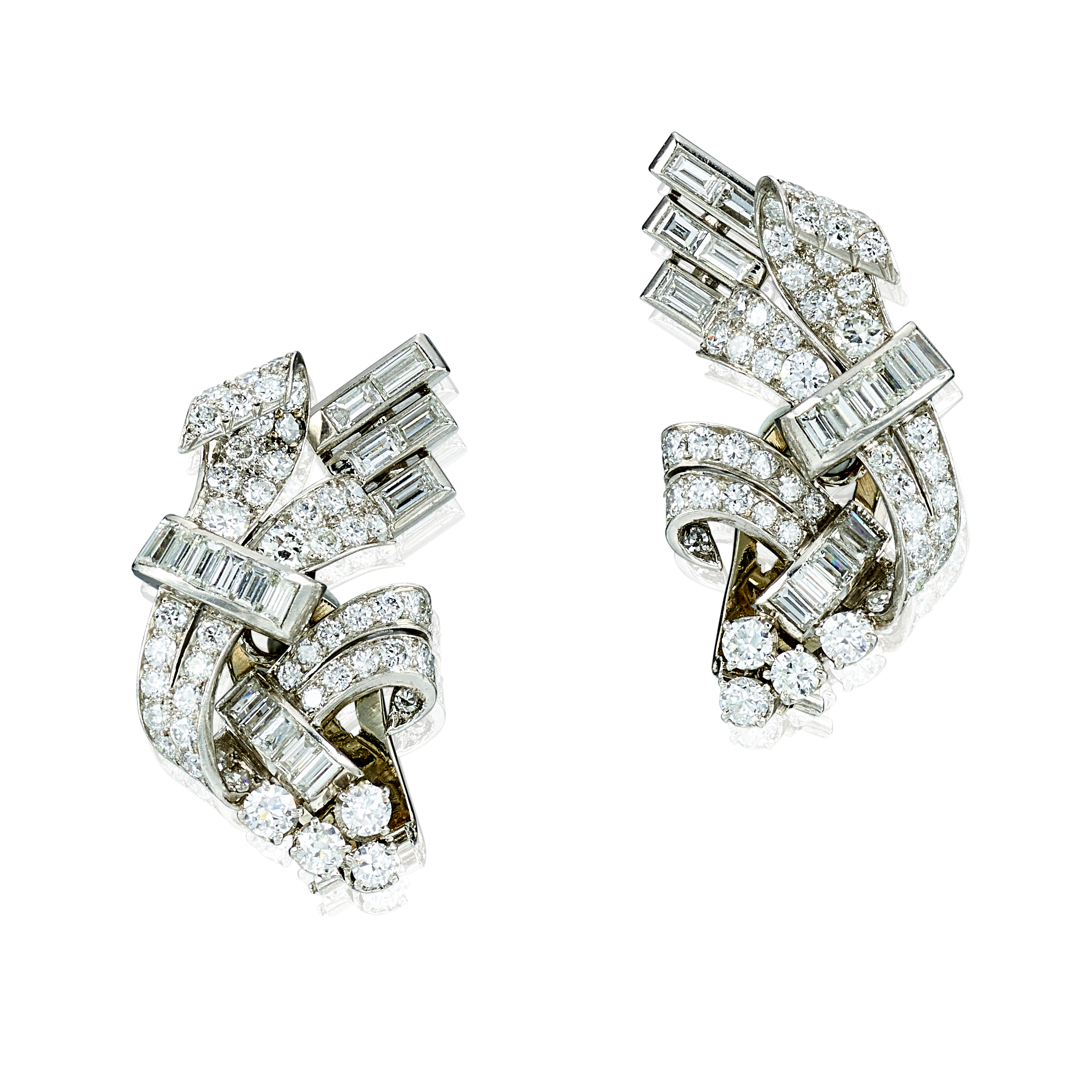 View full screen - View 1 of Lot 9117. PAIR OF DIAMOND EAR CLIPS | 鑽石耳環一對.